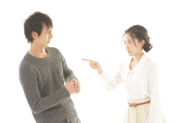 喧嘩する夫婦2